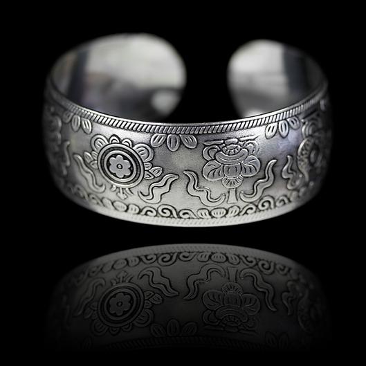 Metallarmband 8 Glück verheißende Symbole