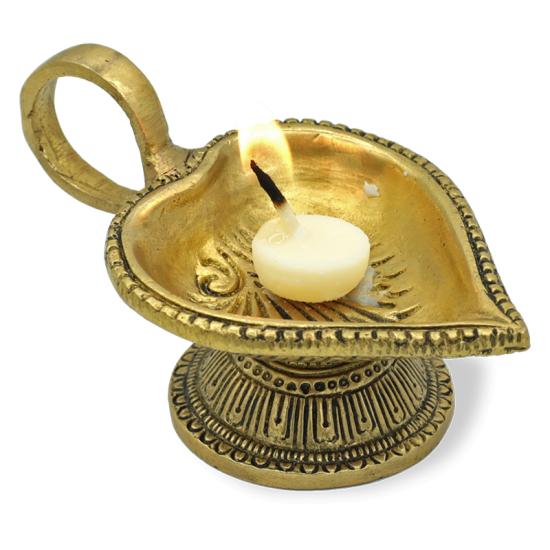 Stimmungsvolle orientalische Öllampe herzförmig