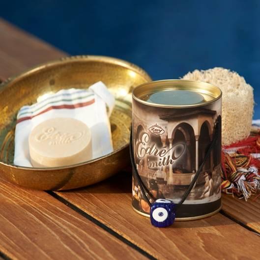 Olivos: Edremith Badeset Dieses schöne Set besteht aus einem weichen Peeling-Tuch, einem natürlichen Badeschwamm und einem Stück Seife.